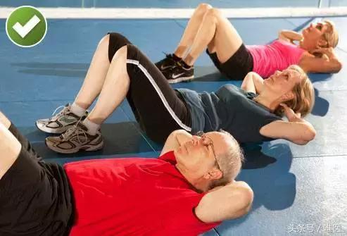 腰痛人士,3种绝对不能做的锻炼,和12种正确运动和拉伸