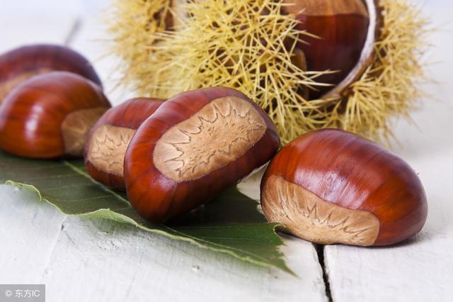 秋季养生贵在防燥!推荐10款适合秋季防燥食用的药粥!