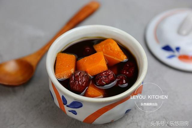 秋天多炖这8道汤,都是家常食材,每天喝一点,皮肤气色悄悄变好