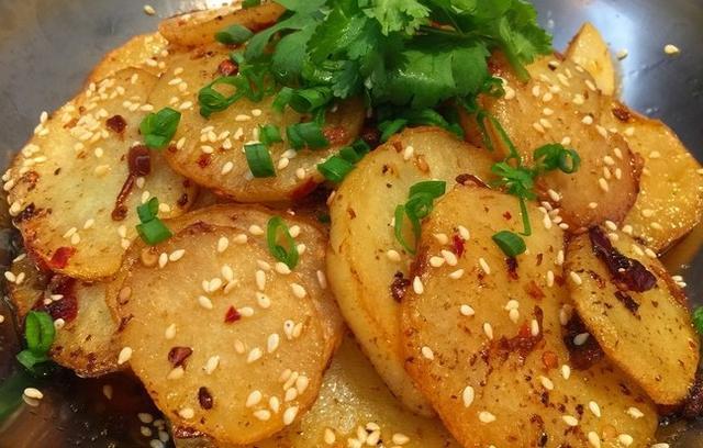 土豆的十种做法,再也不会每次都吃土豆丝了,快收藏吧