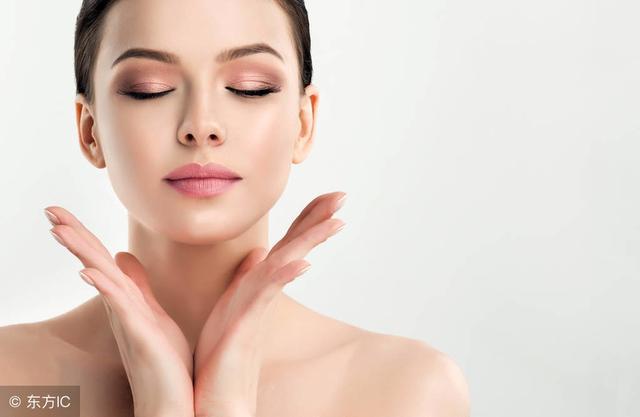 拍打面部:可舒展皱纹、祛斑、……增强皮质弹性,起到美容作用!