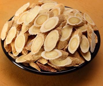 黄芪、茯苓、白术、白扁豆、炙甘草、党参、太子参补脾益气的中药